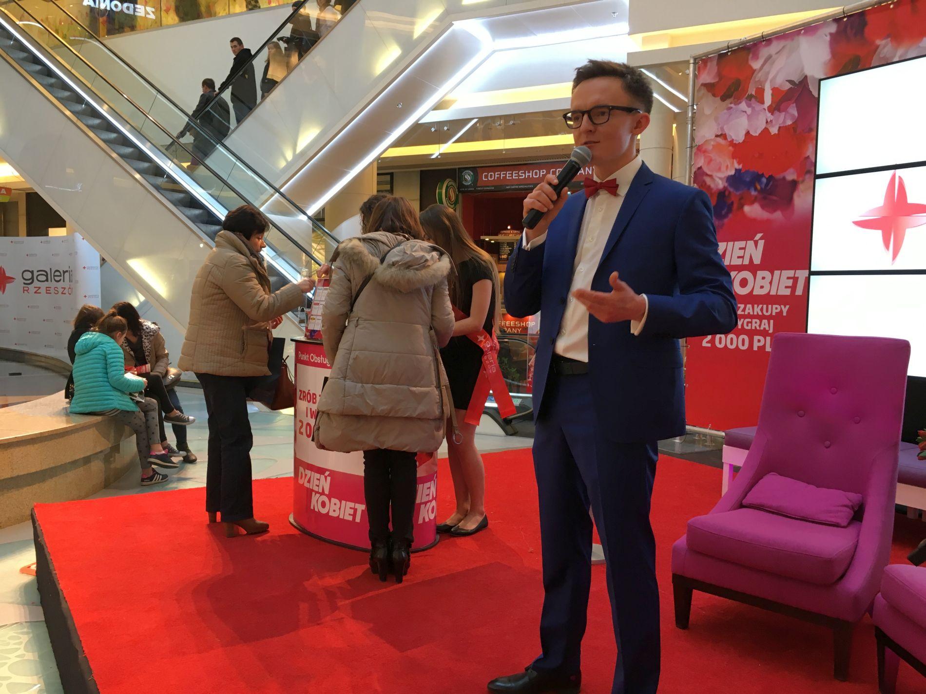 Event Moderator in Einkaufszentren
