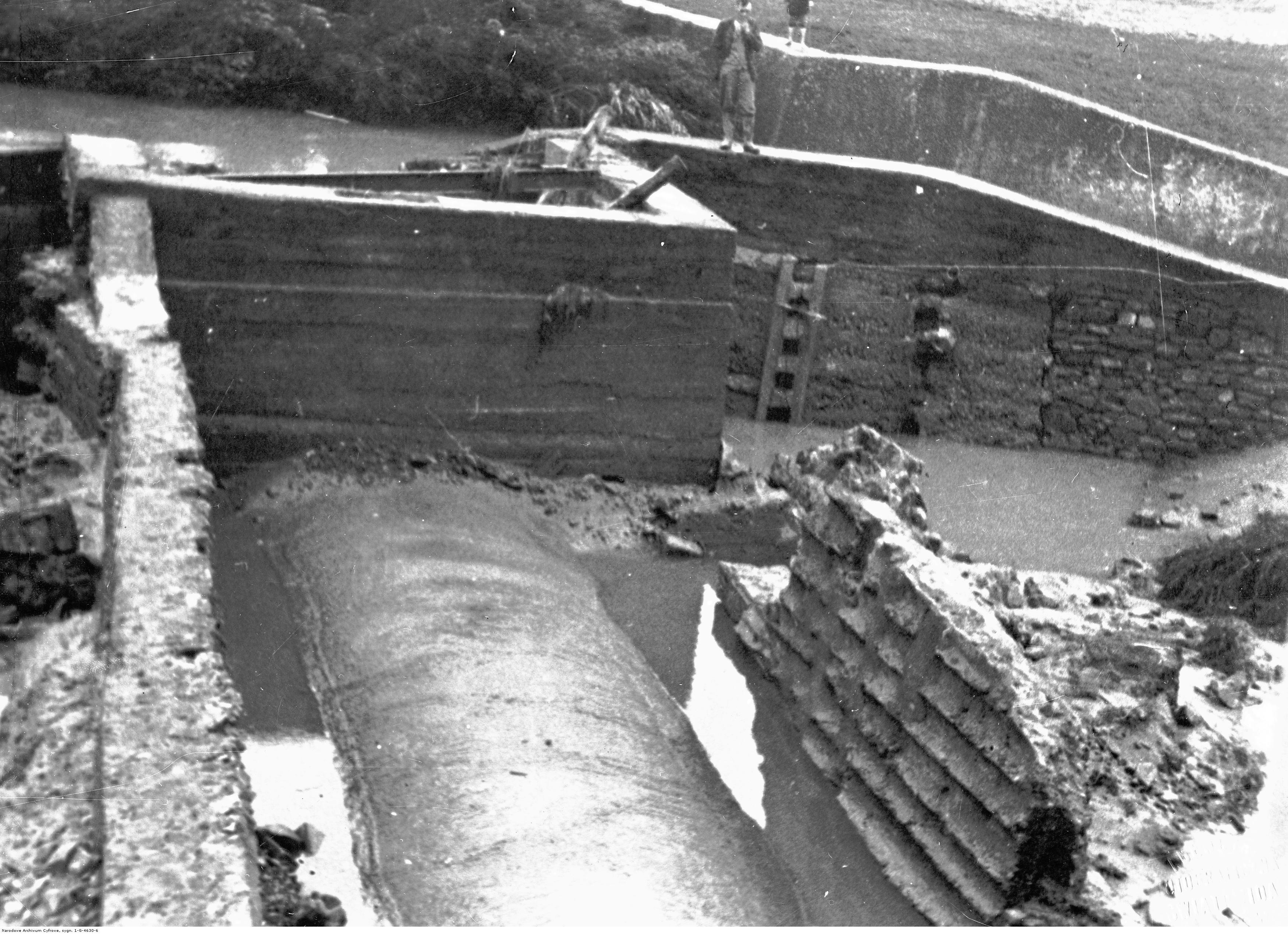 Powódż w Rzeszowie. Fragment zniszczonego przez powódź młyna, rok 1934-07
