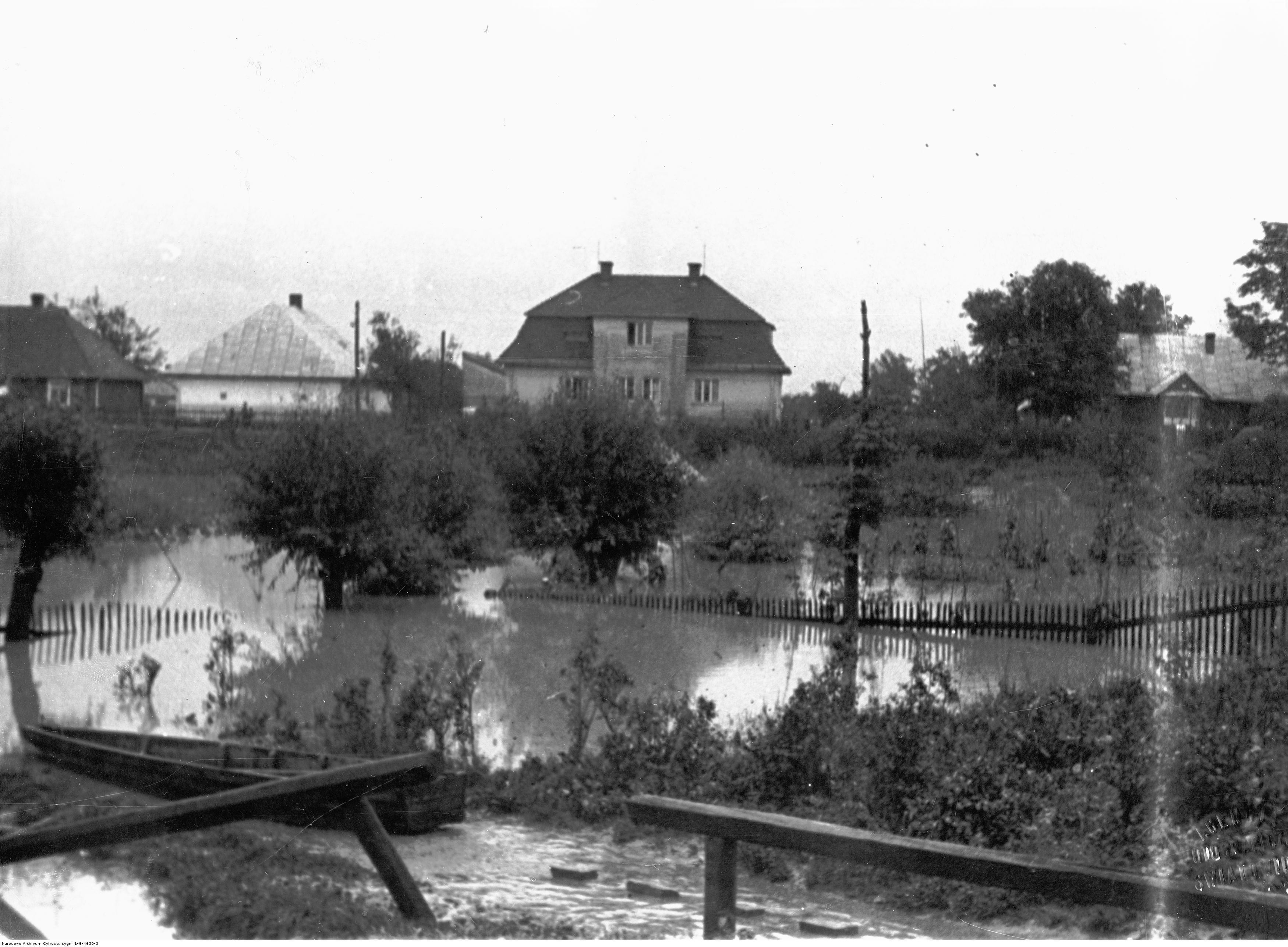 Powódź w Rzeszowie. Woda na przedmieściach, rok 1934-07