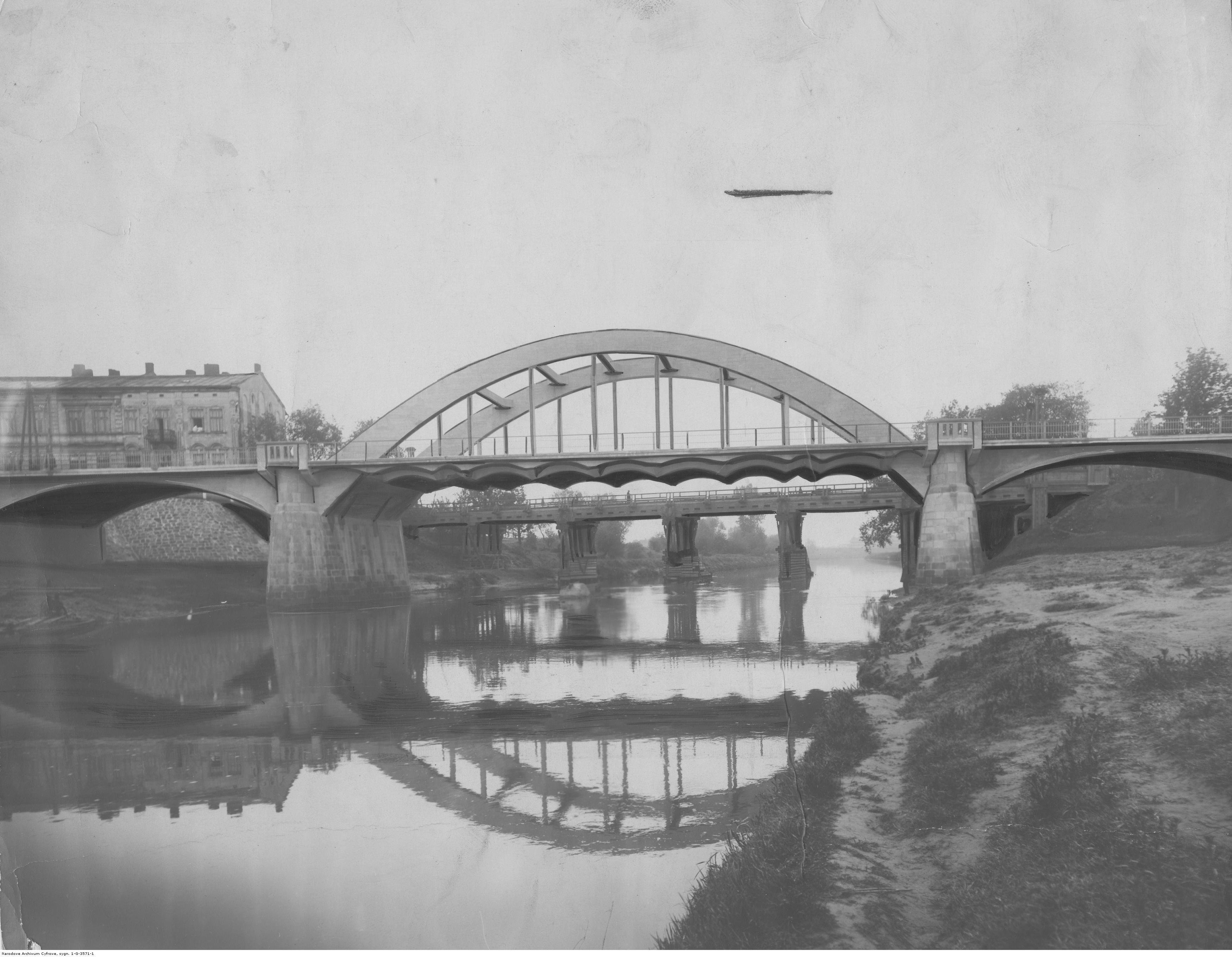 Rzeszów, most drogowy na Wisłoku